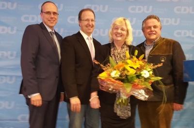Innenminister Peter Beuth, Ingo Schon, Landtagsabgeordnete Petra Müller-Klepper, Bundestagsabgeordneter Klaus-Peter Willsch (v.l.n.r.)